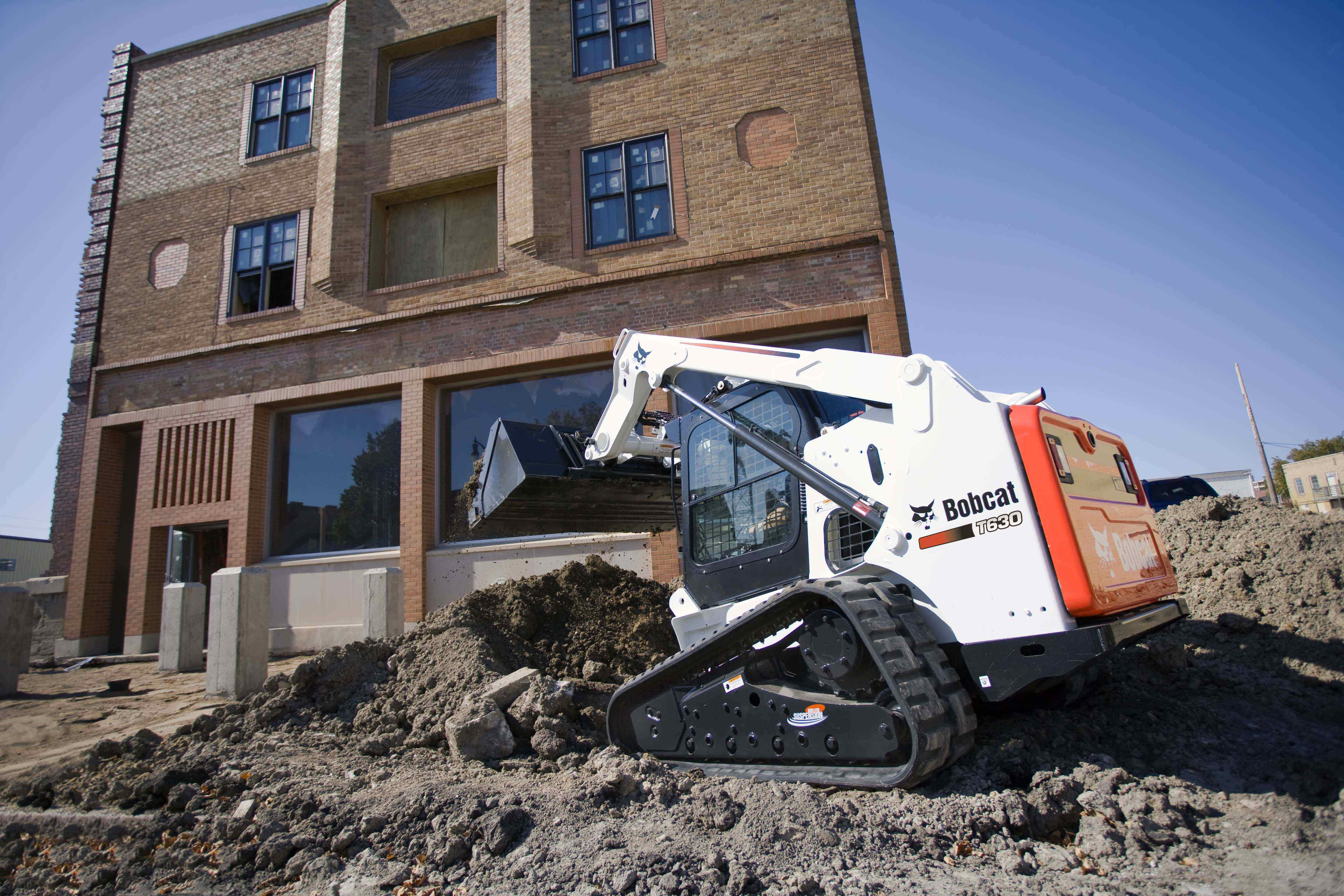 Bobcat Launches Tier 4 600 Frame-Size Skid Steers, CTLs