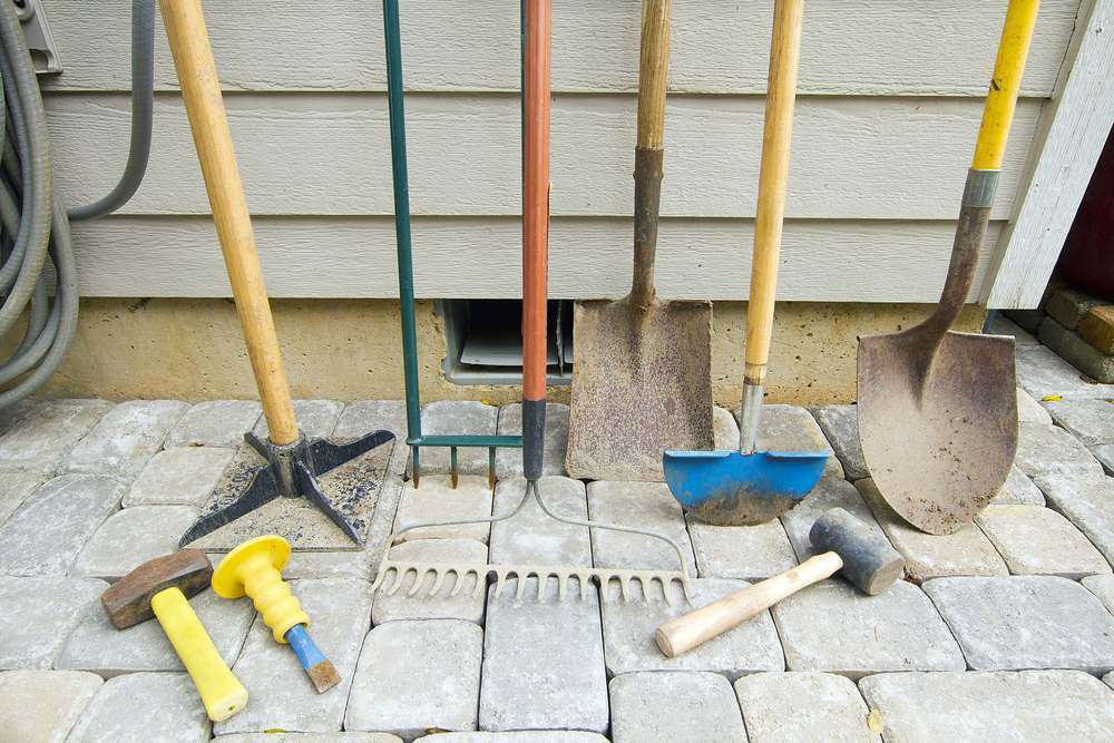 5 Tools Every Landscaper Should Be Using