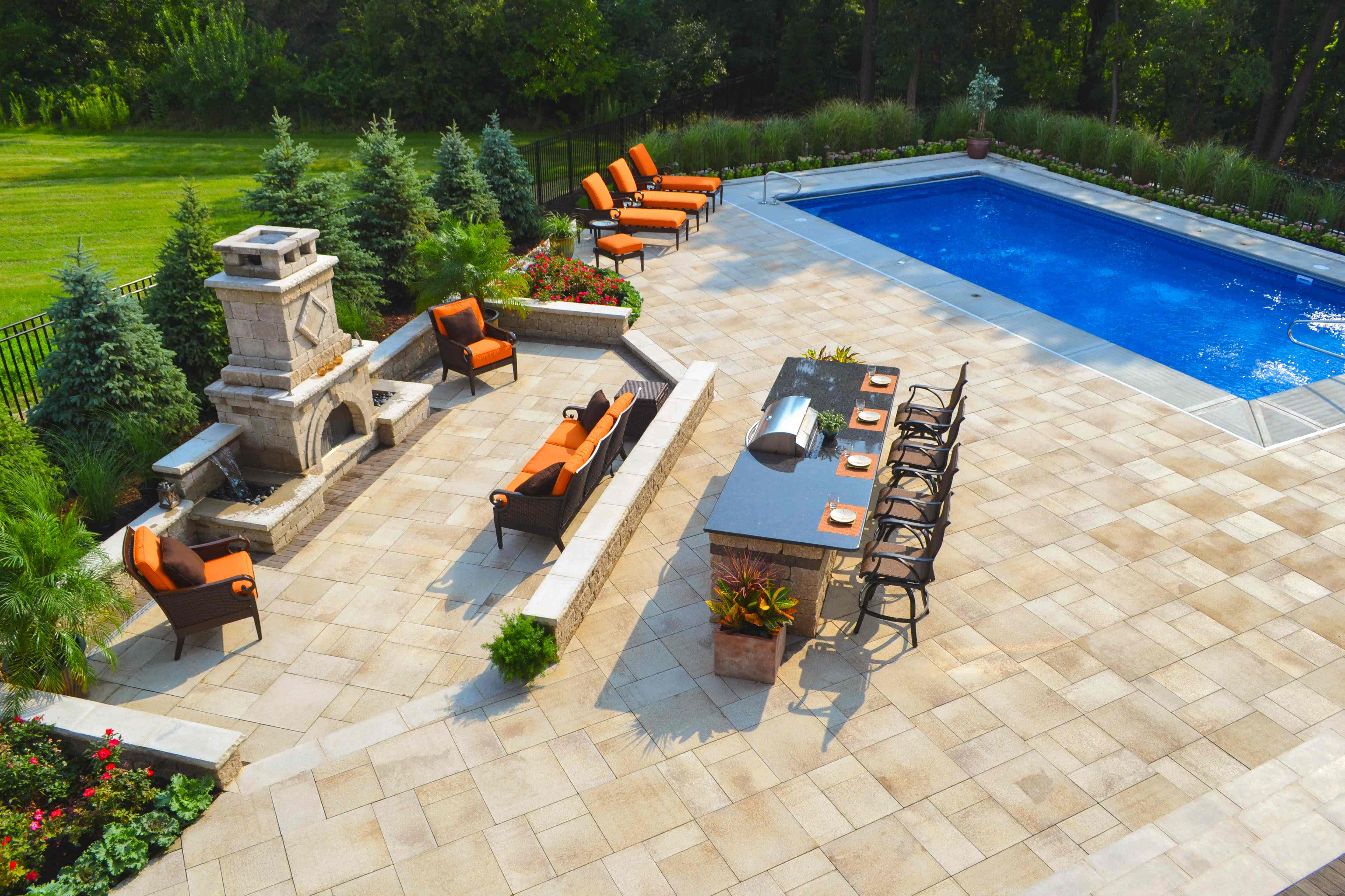 how landscape designers created stunning outdoor rooms