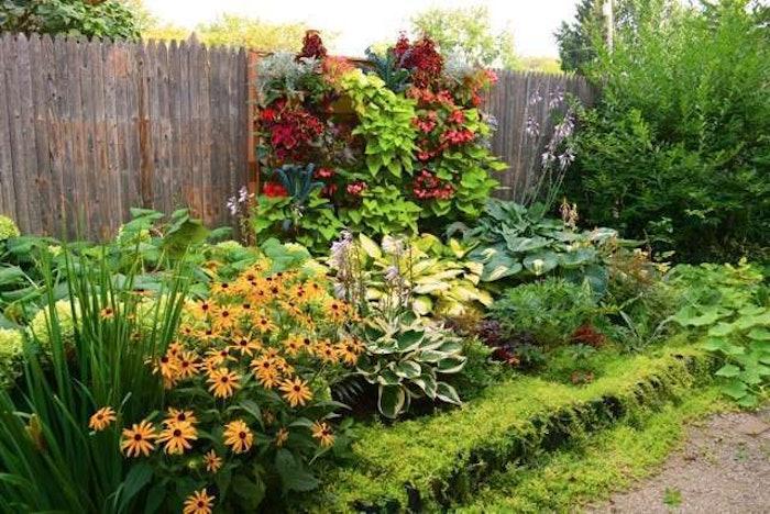 vert-garden5-Shawna-Coronado