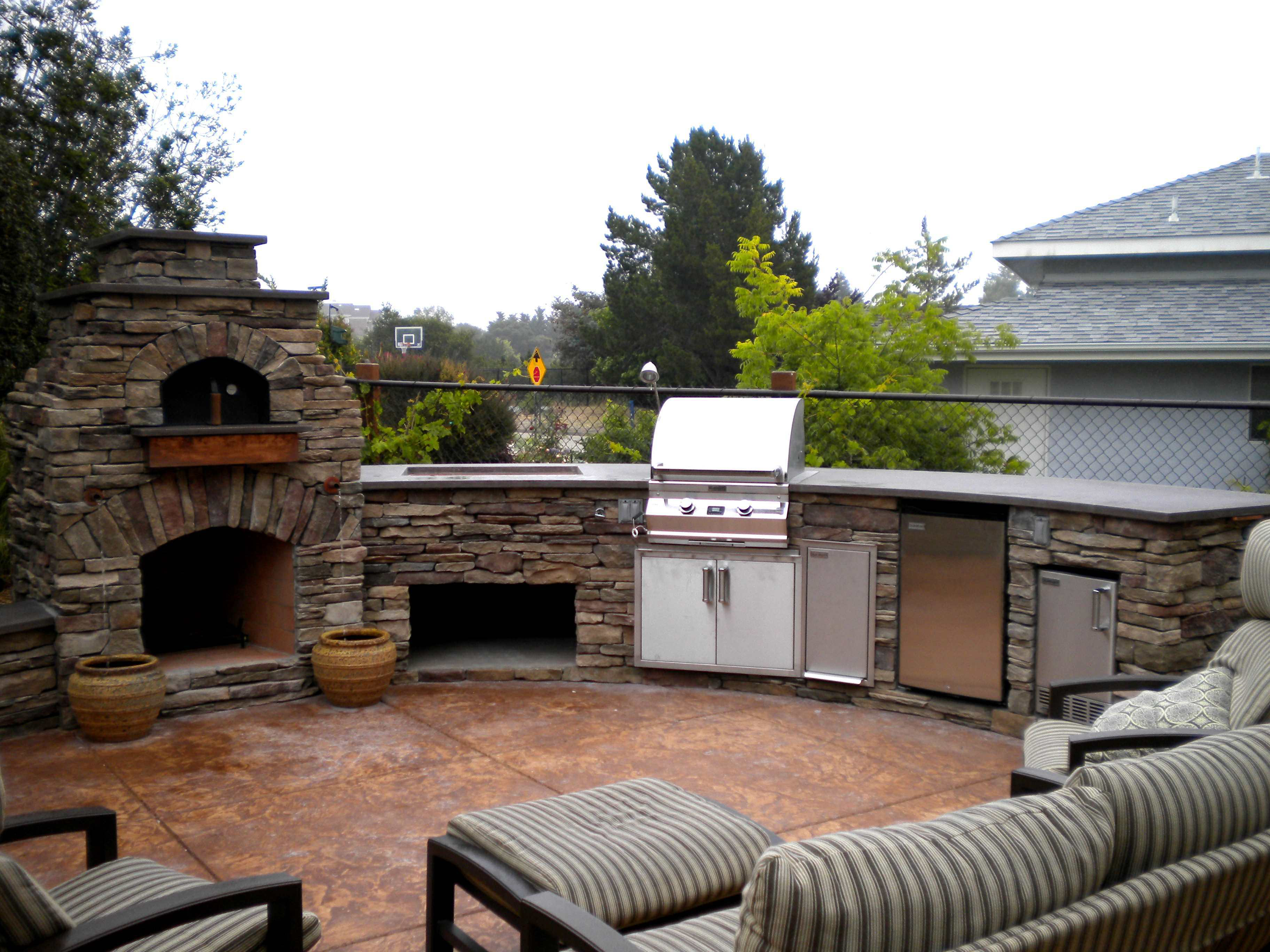 Help customers pondering outdoor kitchens stand out on Outdoor Patio With Pizza Oven id=64412