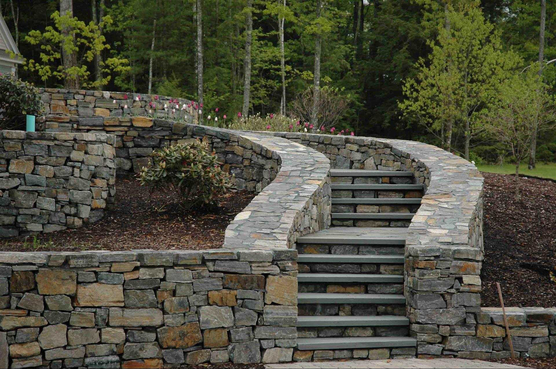 Landscaping Natural Stone : Outdoor living increases interest in pavers hardscaping