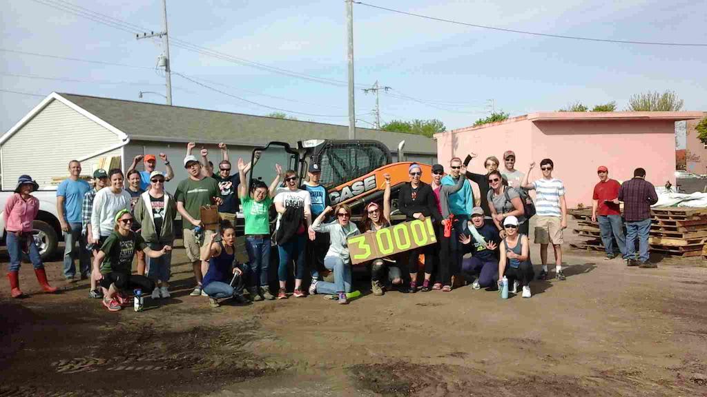 Case, CNH help Victory Garden Blitz volunteers break record