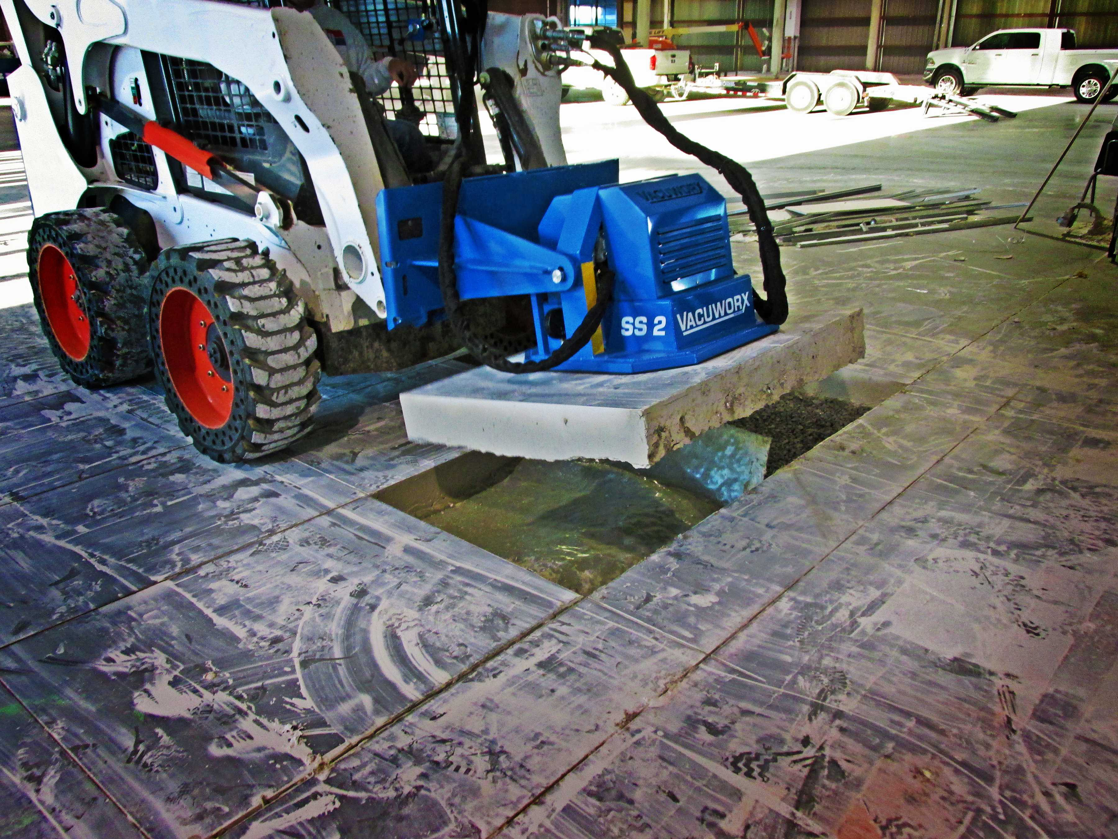 Landscapers Can Lift With Vacuworx Skid Steer Vacuum
