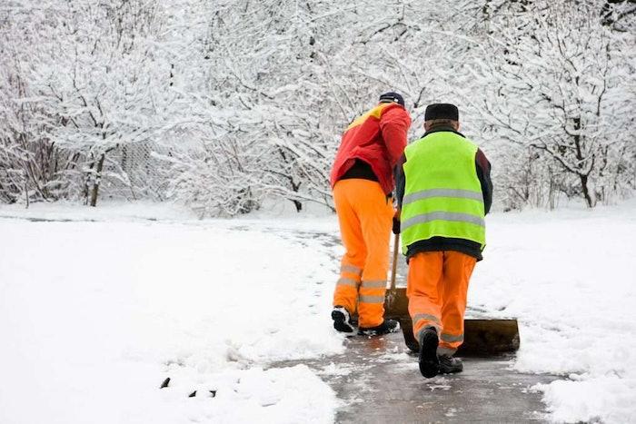 winter-shoveling-1024×683