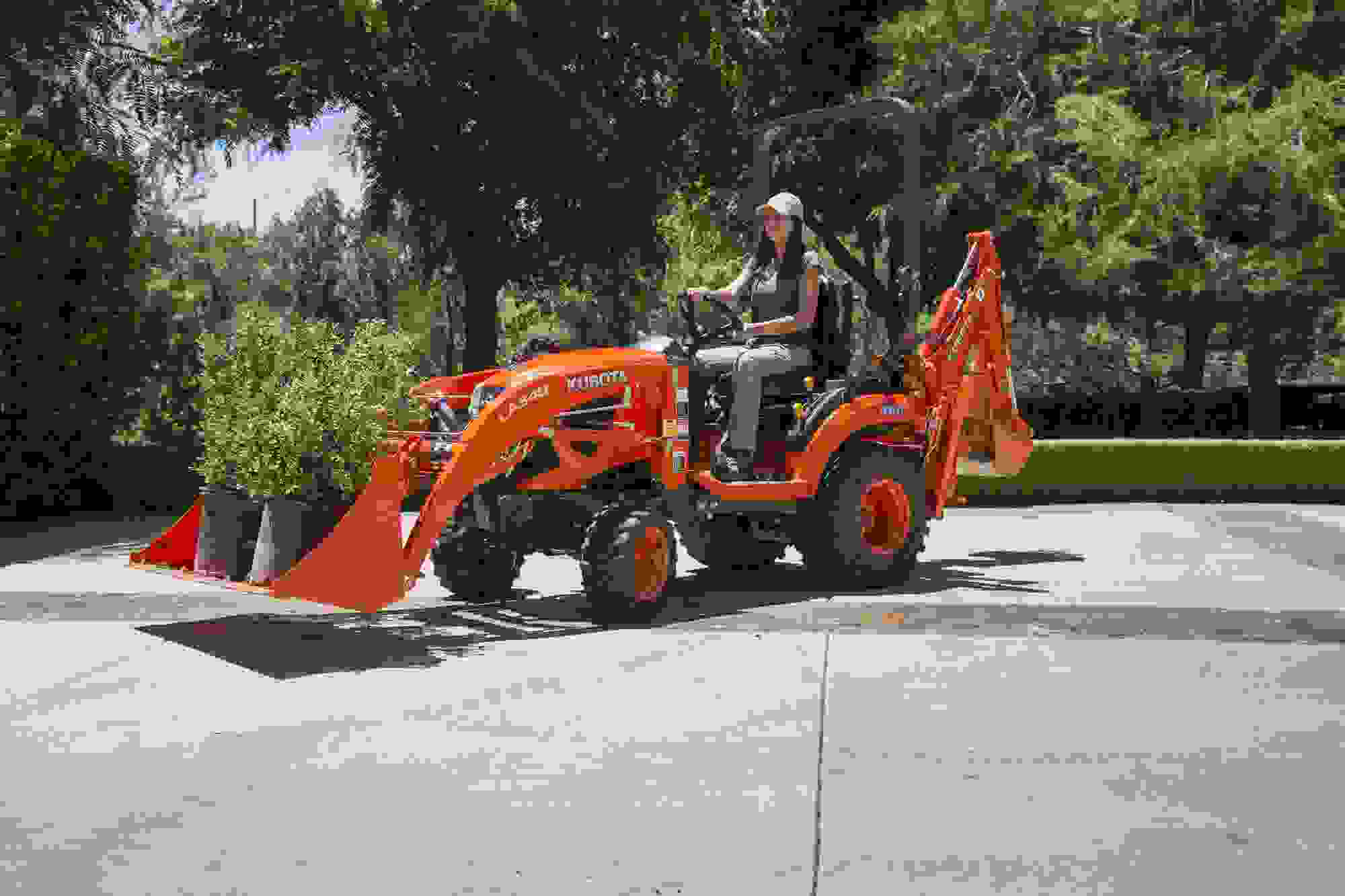 kubota adds four new models to sub compact tractor line. Black Bedroom Furniture Sets. Home Design Ideas