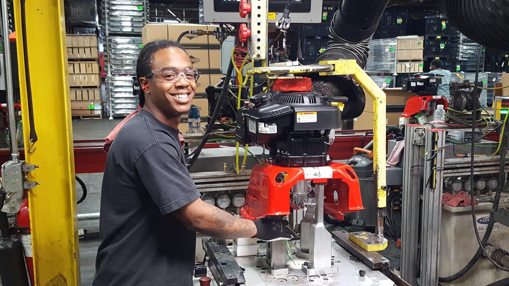 Briggs stratton manufactures millionth pressure washer for Stratton builders