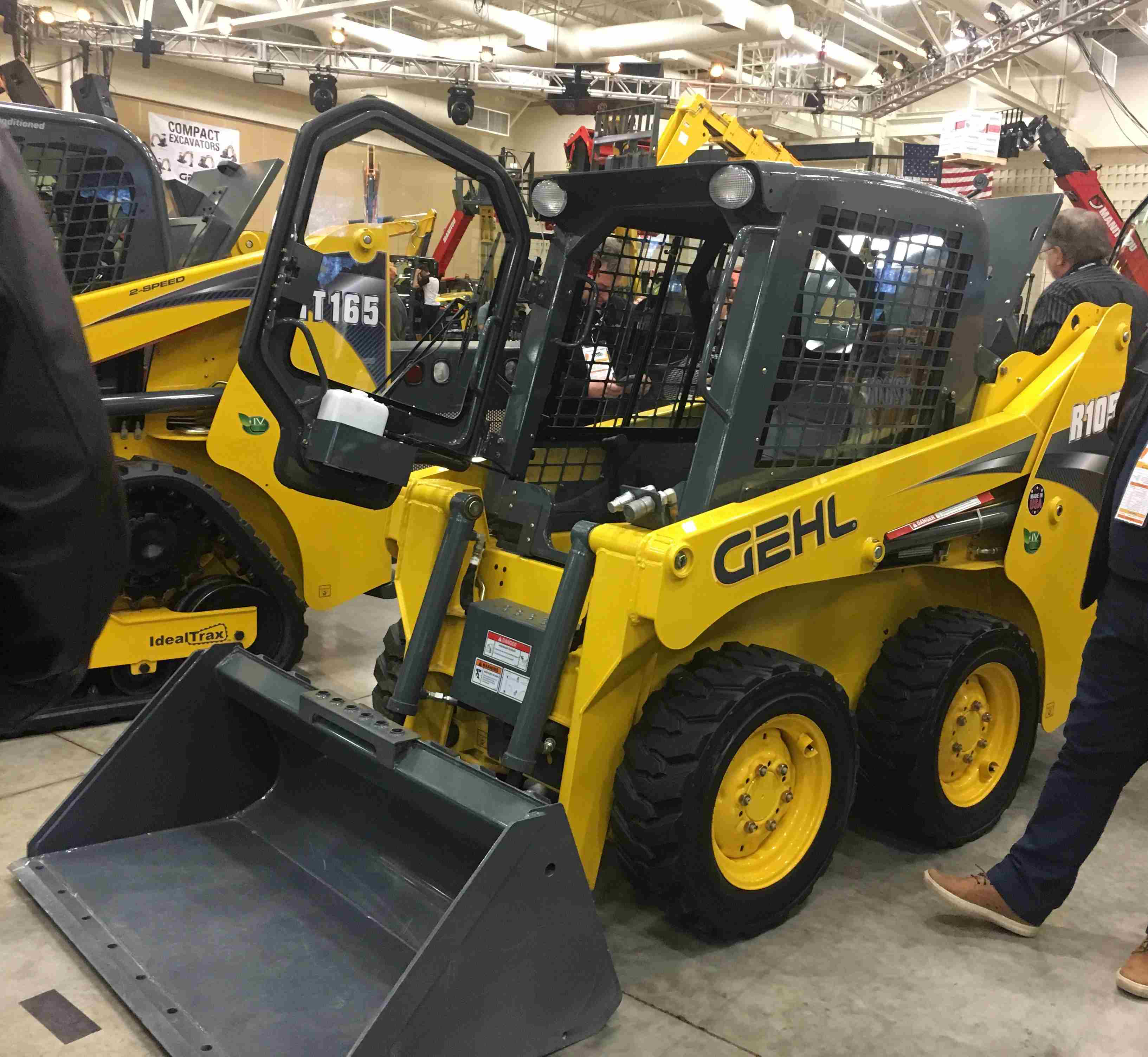 Gehl, Mustang present small, powerful compact skid loaders