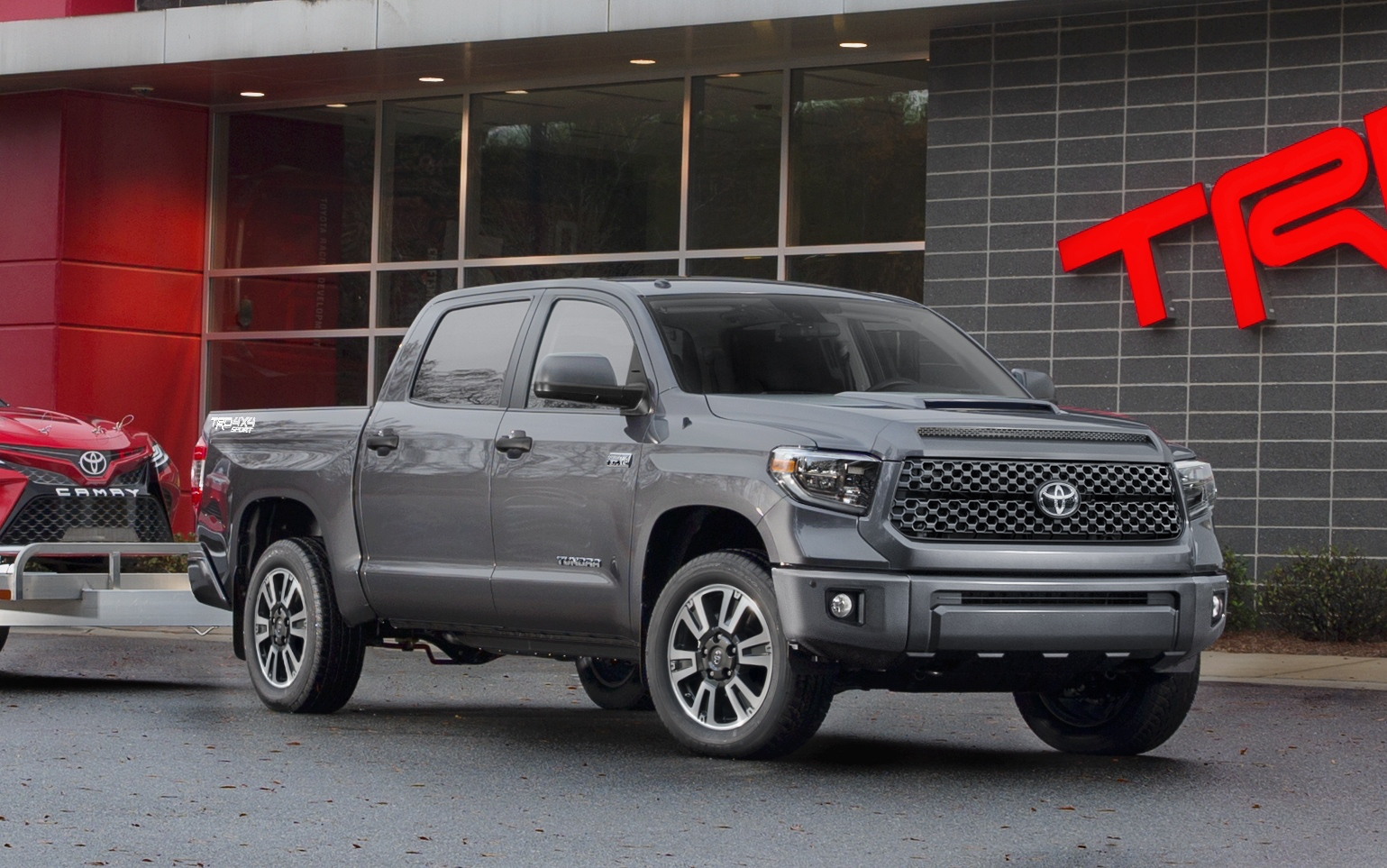 toyota 39 s 2018 tundra trd pro sport refreshes lineup. Black Bedroom Furniture Sets. Home Design Ideas