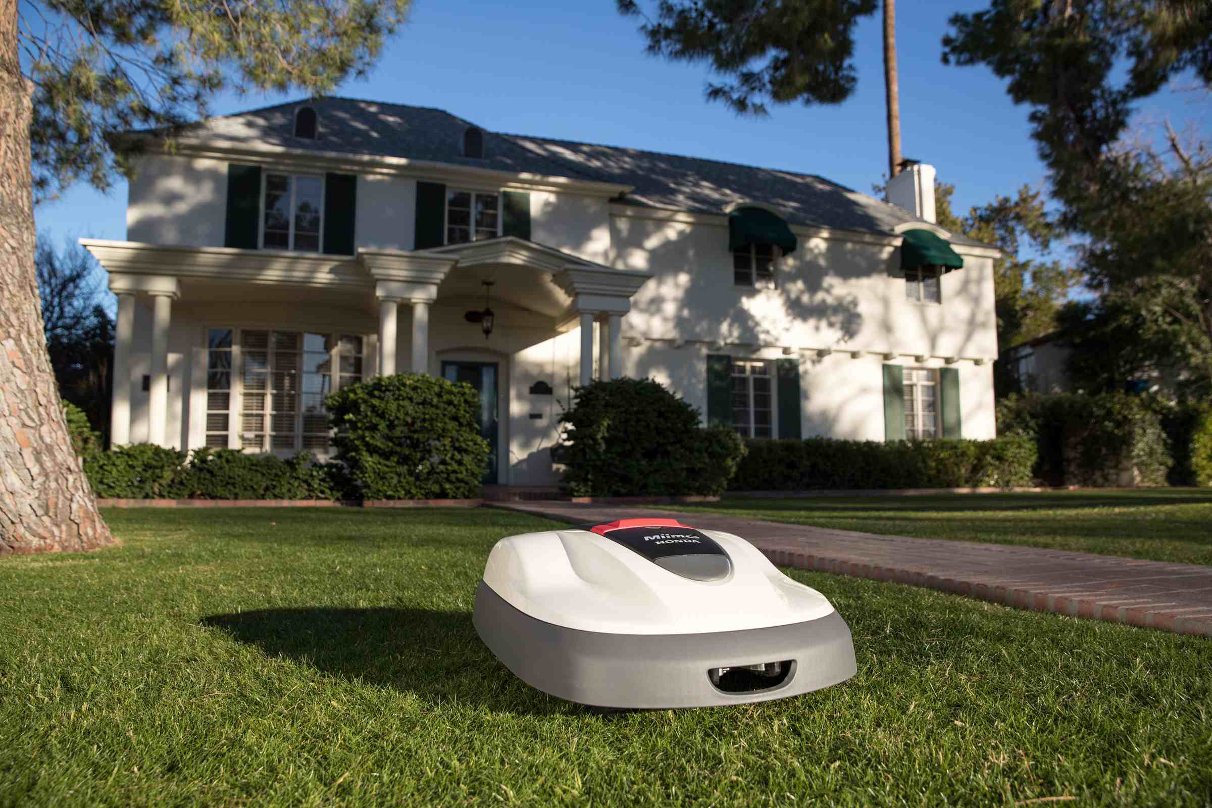 Honda Power Equipment introduces its first robotic lawn mower: Miimo