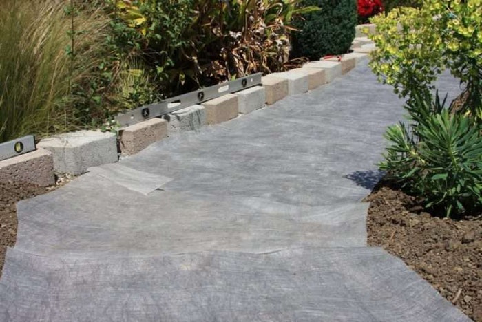 landscaping-fabric-1-825×551-1-768×513