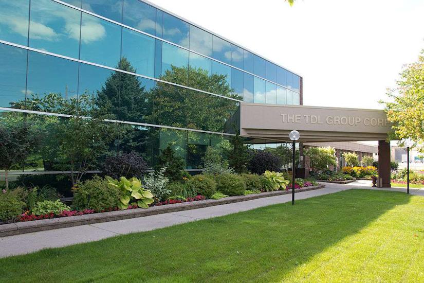 corporate-headquarters-landscaping