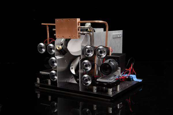 photonic fence identifies insects without harm