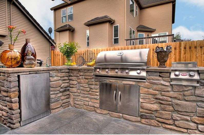 outdoor-kitchen-grill