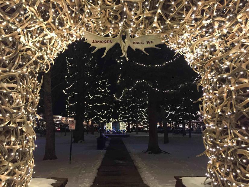boreal-christmas-lighting