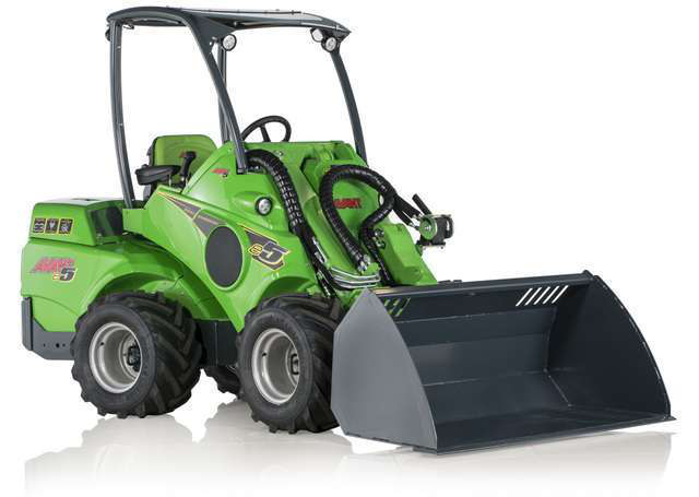 Avant fully electric, battery-powered articulated loader