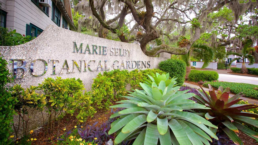 sign for the Marie Selby Botanical gardens