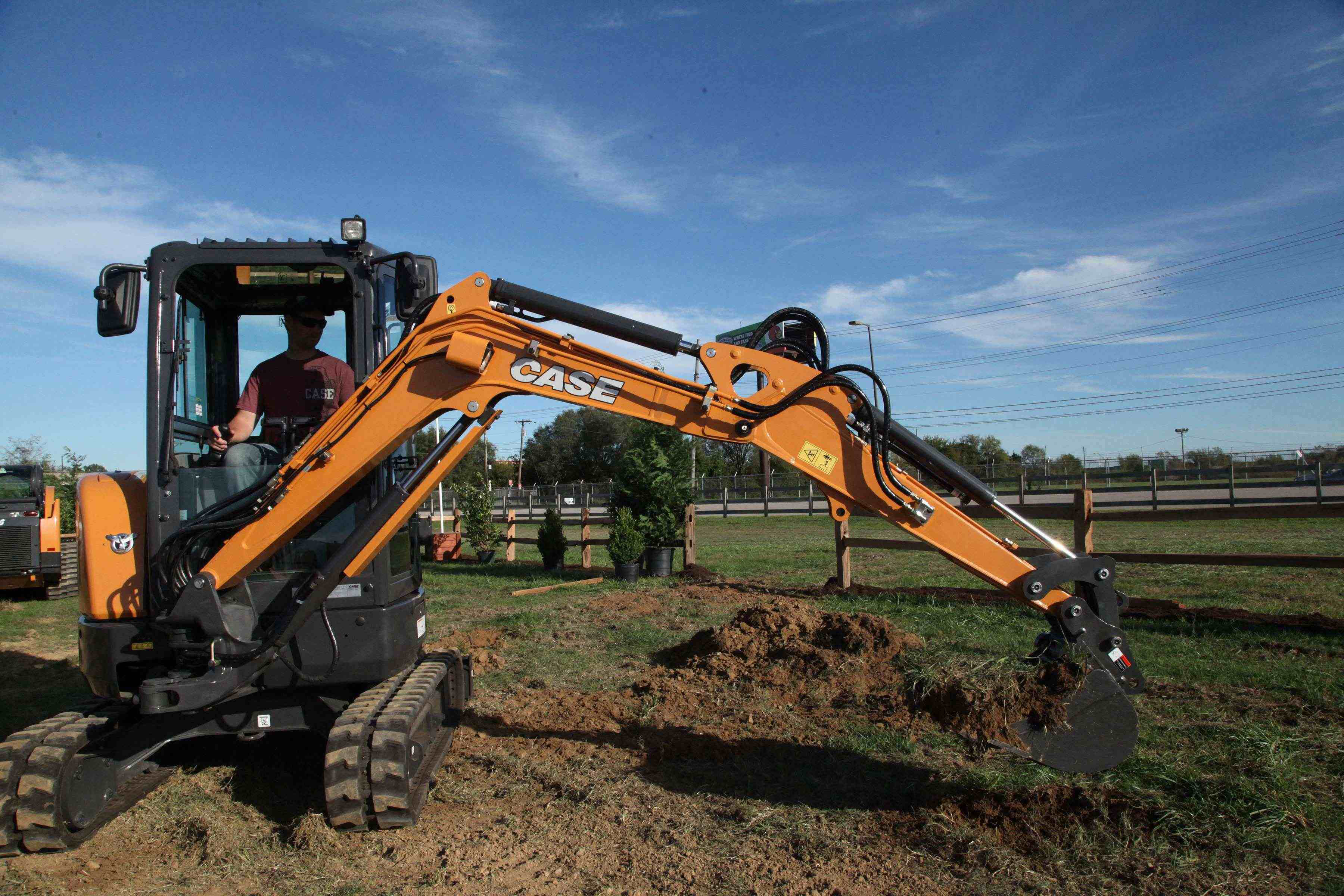 Mini Construction Equipment : Case construction equipment debuts cx c compact excavator