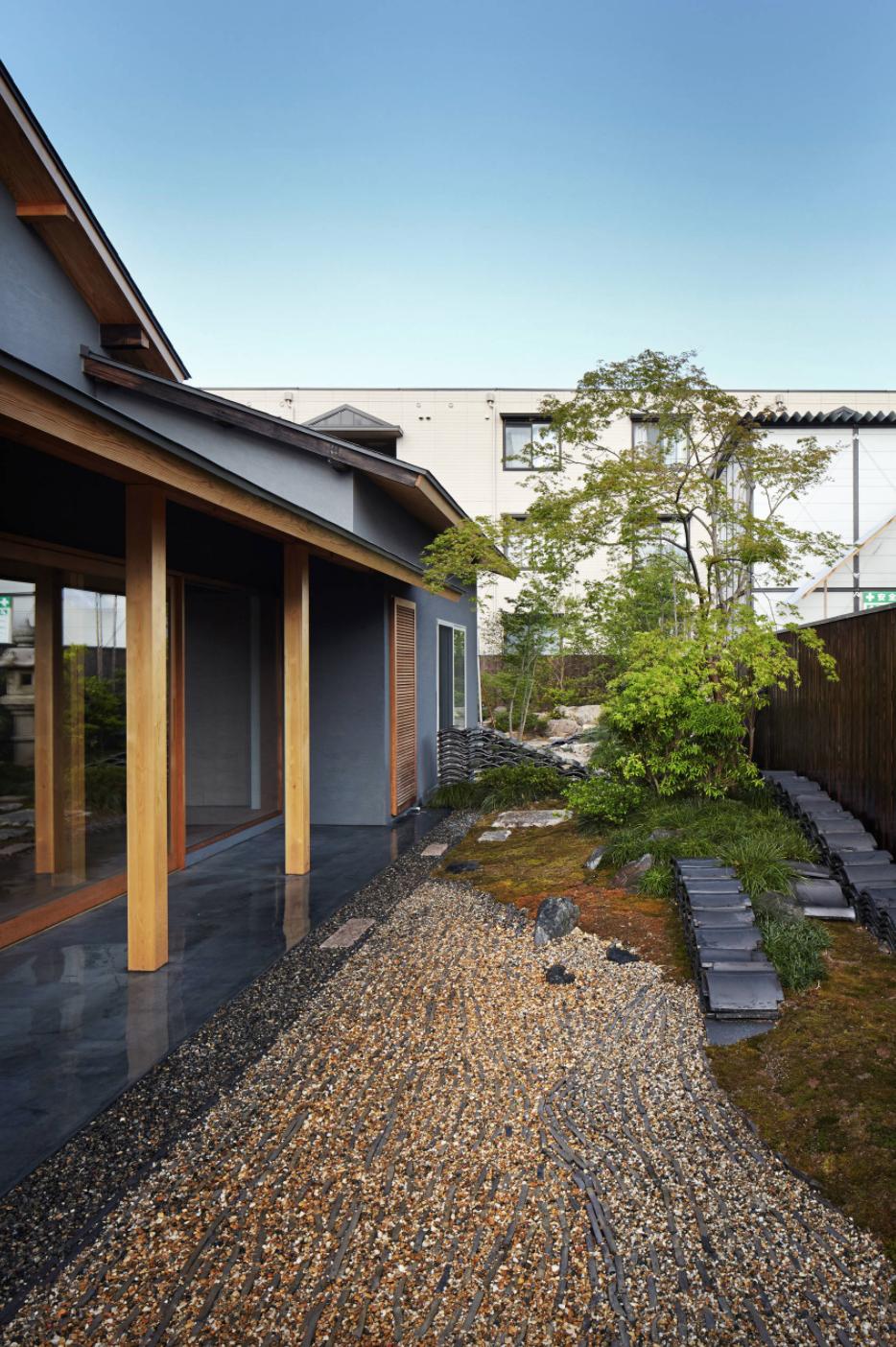 Side Of House Japanese Zen Garden