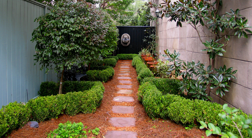 garden pathway to fountain