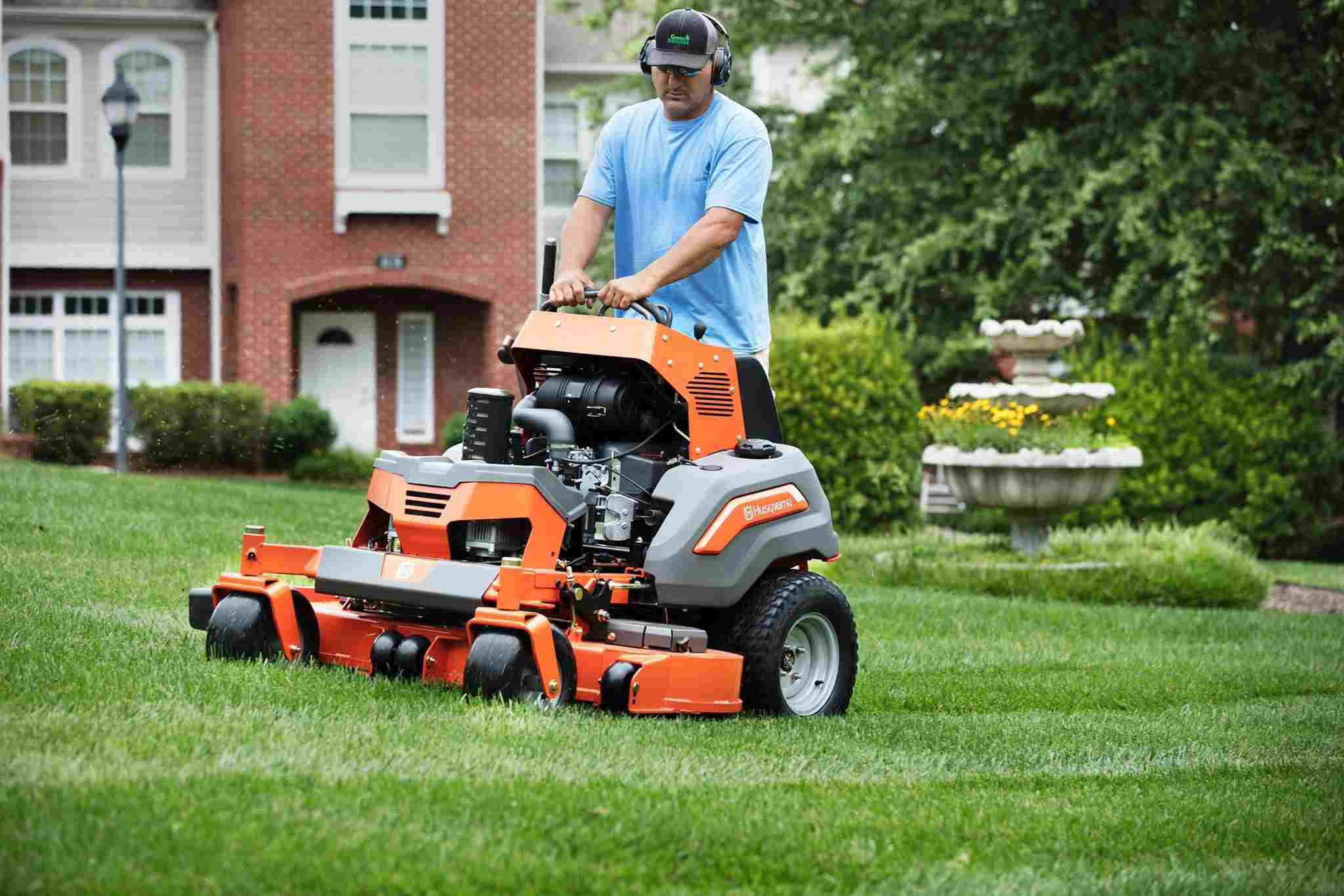 Pros and Cons of ZTR Sit-on and Stand-on Mowers
