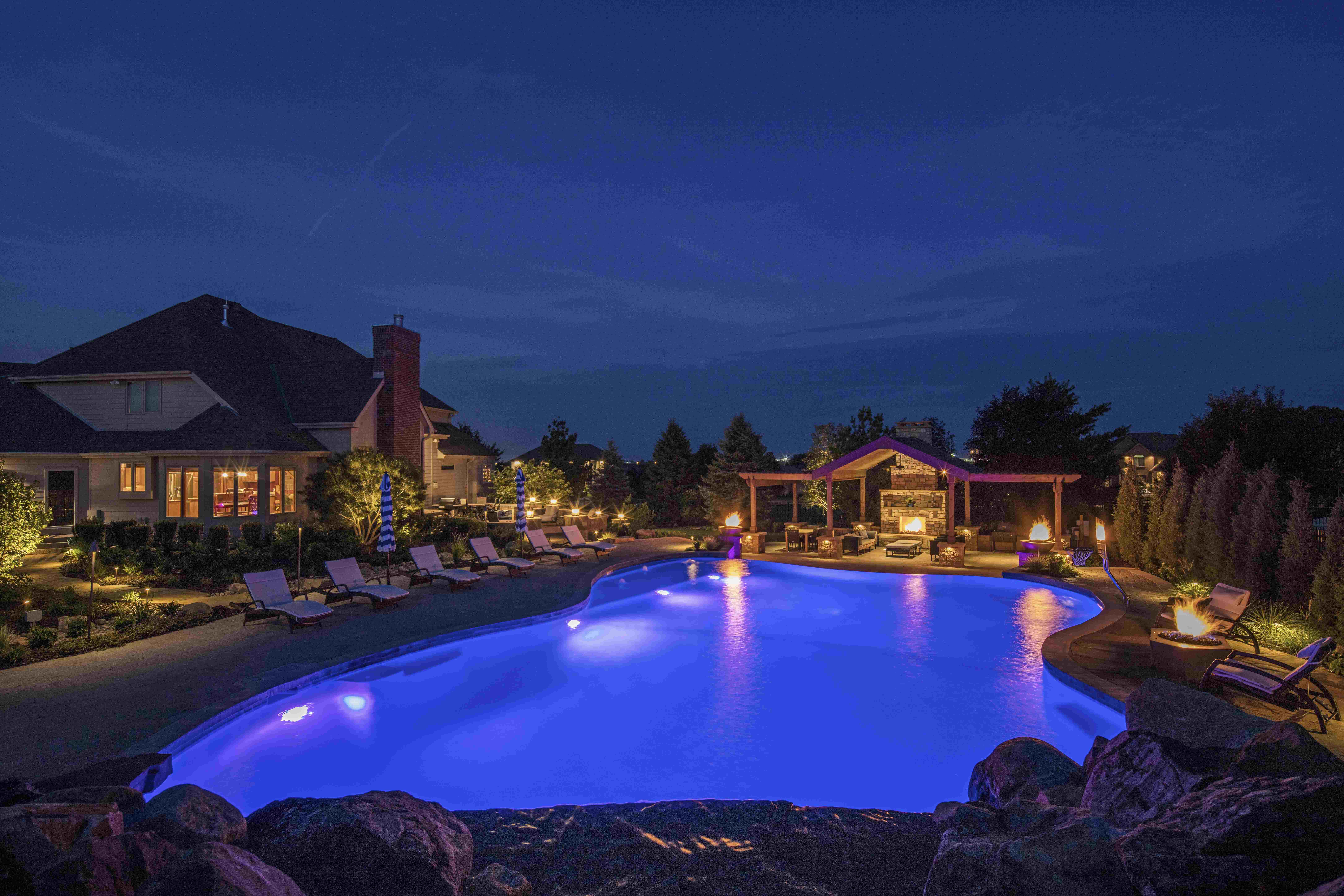 Tips On Designing Unique Swimming Pools For Your Clients
