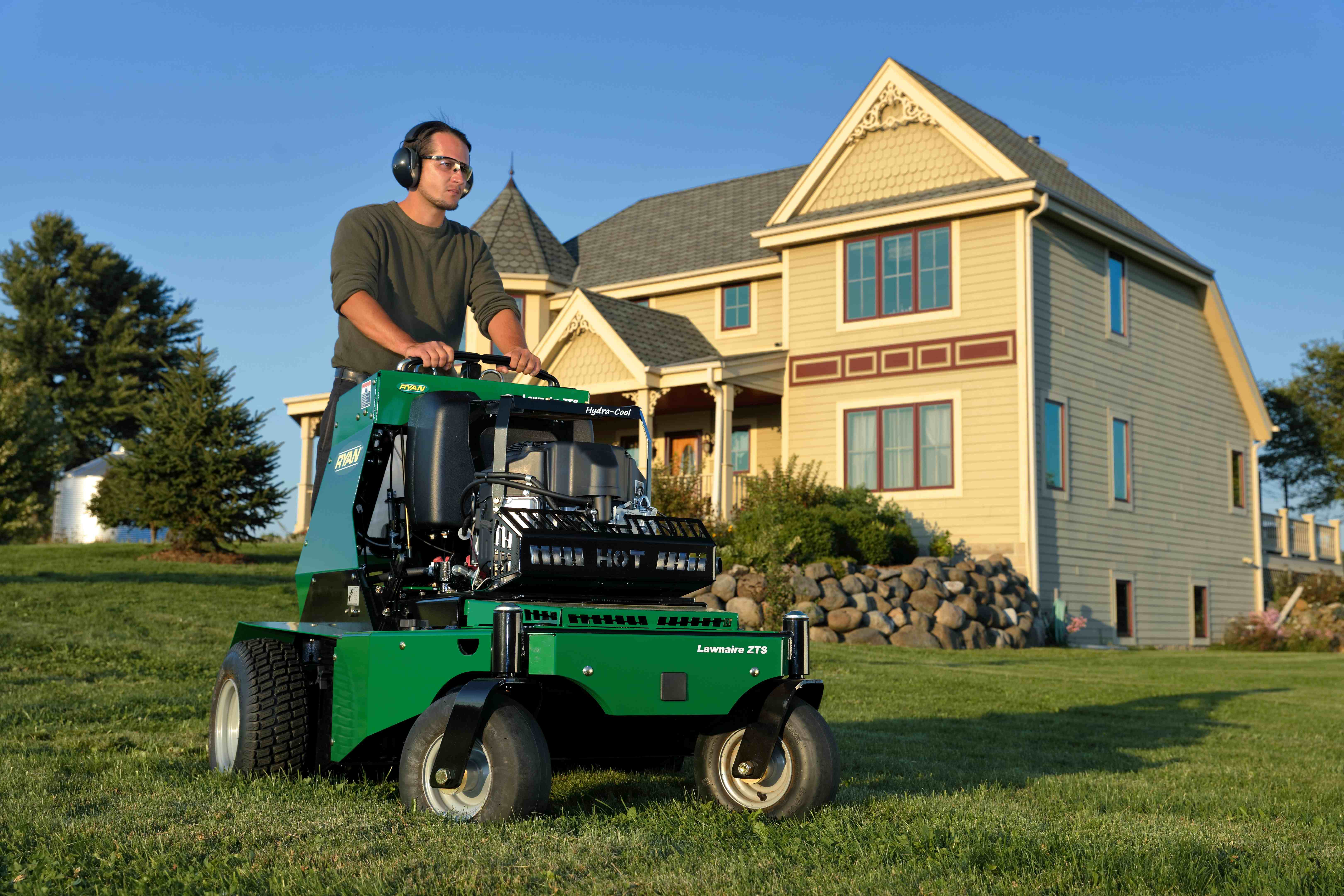 Why The Fall Season Is Best Time To Aerate