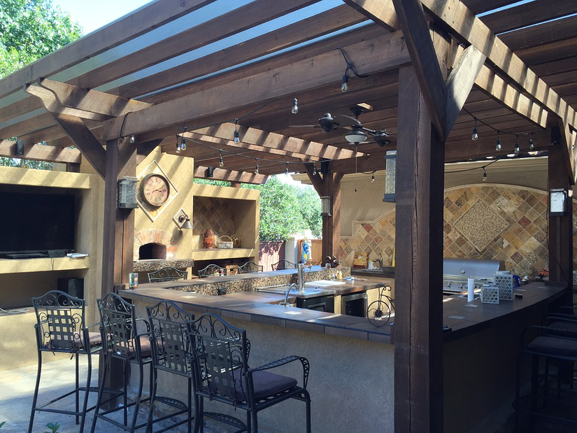 Introducing outdoor kitchen designs