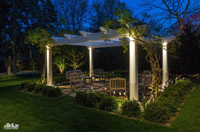 Getting Outdoors Perfect Pergolas And Their Luxurious Lighting
