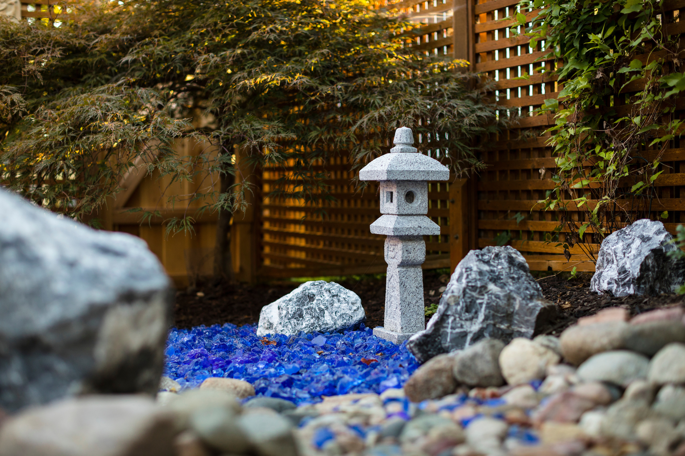 blue-glass-rocks