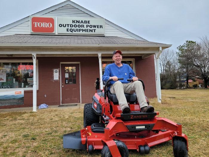 Brett Hill with Toro Z Master 4000 zero-turn mower at local toro dealer Knabe outdoor power equipment