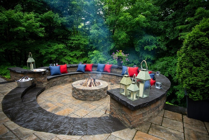Outdoor living area with firepit